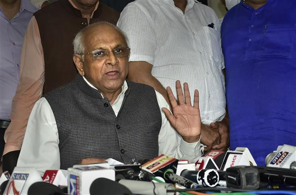 Gujarat swearing in postponed, now expected on Thursday