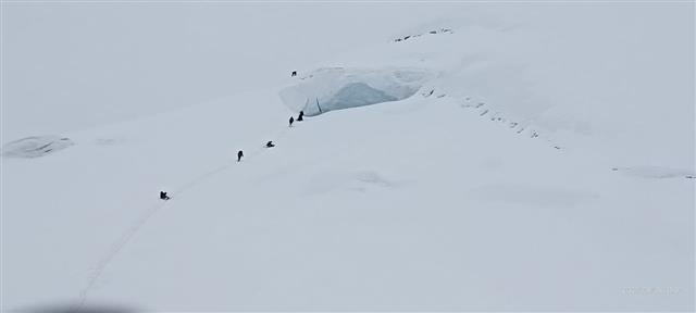 ITBP mountaineers become first Indians to scale Mount Balbala in Uttarakhand