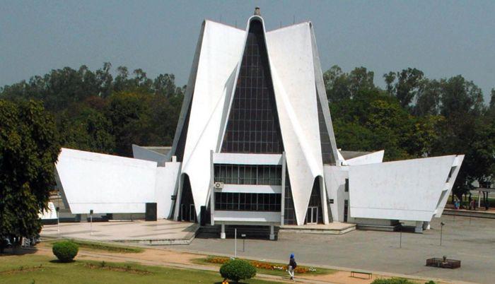 Punjabi University panel to look into   finances of publication bureau
