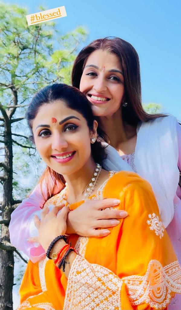 Shilpa Shetty seeks Vaishno Devi's blessings, chants 'Jai Mata Di', 'jaise mata ki ichha' on way to temple; watch glimpses from her trip