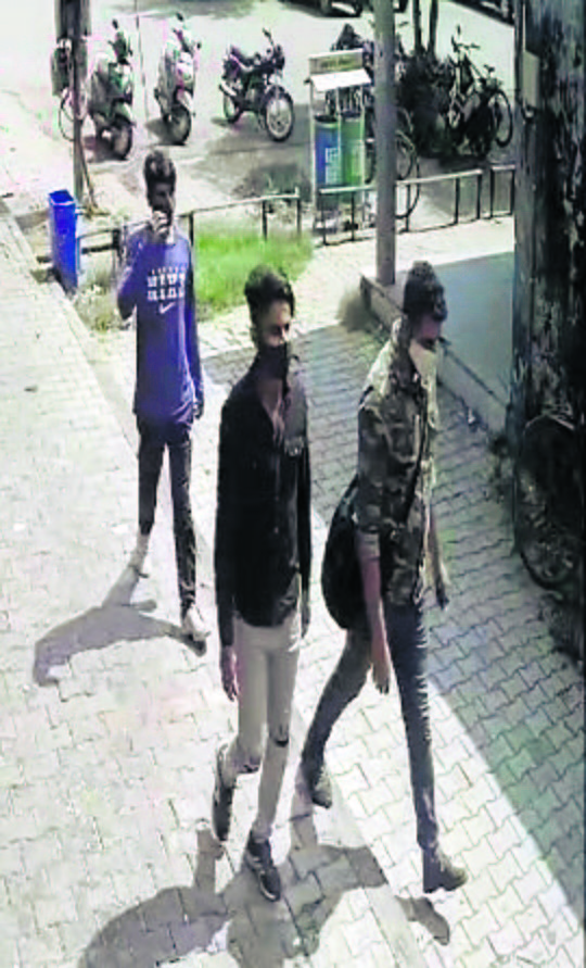 Day after, Panchkula cops fail to get clue about robbers