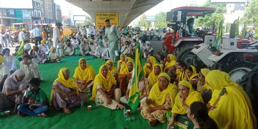 Farmers block major roads in Ludhiana