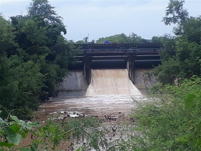 Chandigarh Admn opens Sukhna Lake floodgate as water level reaches near danger mark
