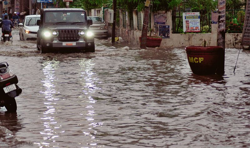 Heavy rain floods Patiala roads, disrupts traffic in several areas