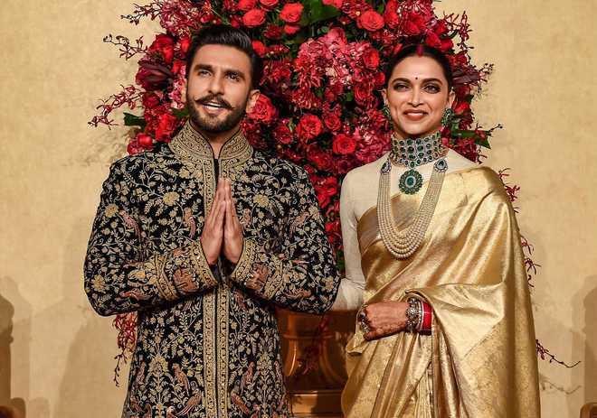 Describe wife Deepika Padukone in one word. Ranveer Singh wrote...