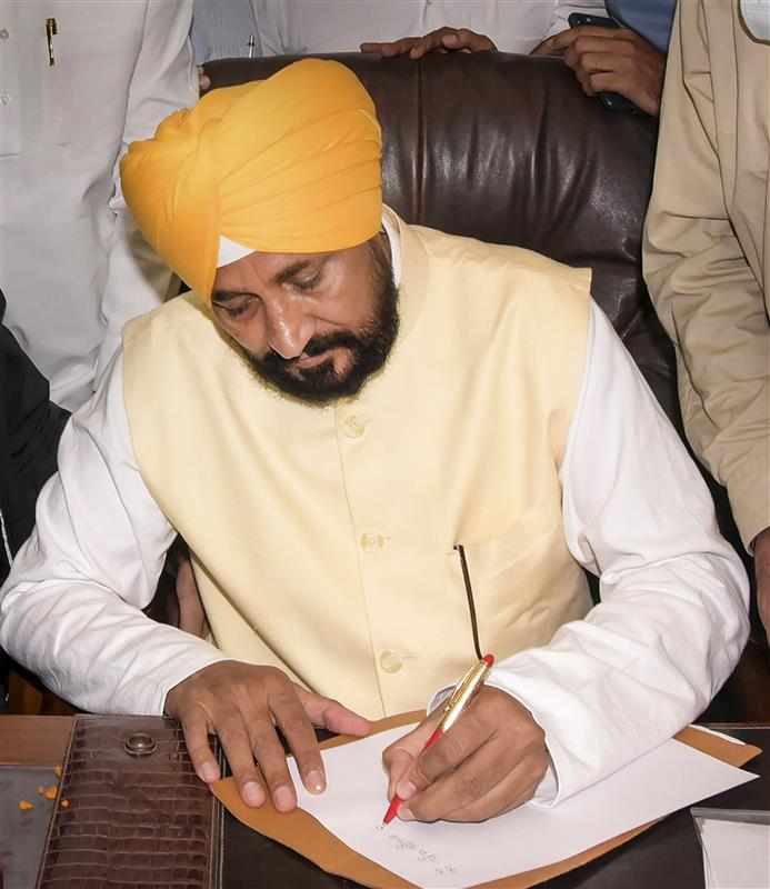 9 IAS, 2 PCS officers transferred on second day of Chief Minister Channi assuming office