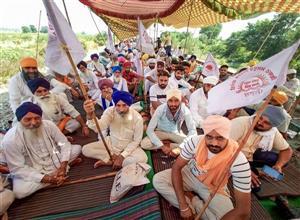 Complete bandh in rural areas in Amritsar; good response in Gurdaspur, Batala