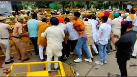 SAD workers clash with Delhi police during protest march over farm laws