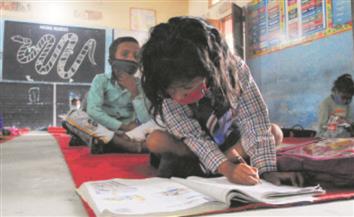 Vaccination for kids not important, reopen schools: PGI expert