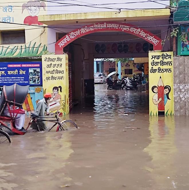 Basti Sheikh govt girls school turns into a pool