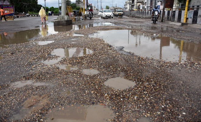 Open house: Repair roads on time, penalise firms for using low-quality material