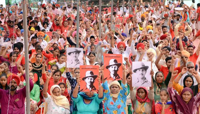 Students remember Bhagat Singh on 114th birth anniv