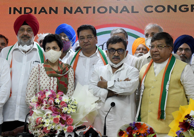 BJP leader, INLD vice-president join Congress