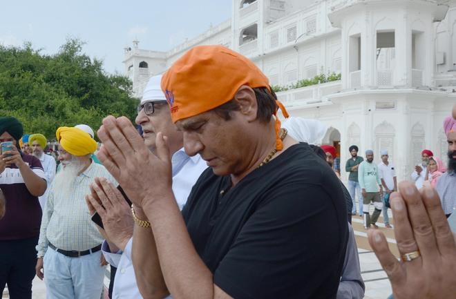 Respect hands that feed us: Raj Babbar
