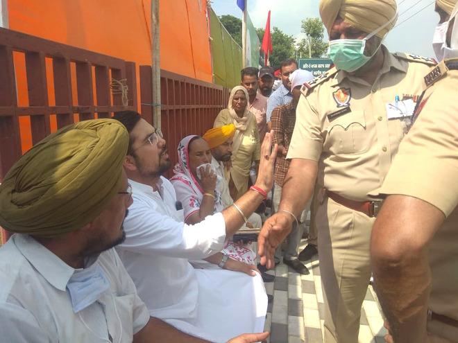 Nawanshahr MLA Angad Singh, SSP Harmanbir Gill face-off again