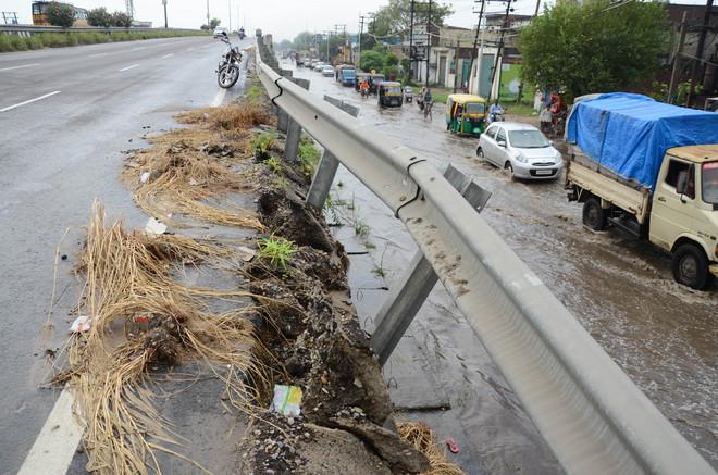 Railing of flyover near Sarb Multiplex on Jalandhar-Amritsar highway gives way