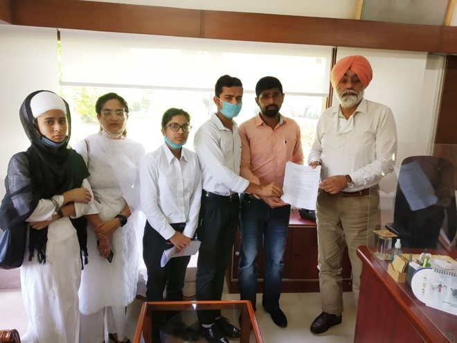 Guru Nanak Dev University, Amritsar, students say no to paying mandatory diet bill