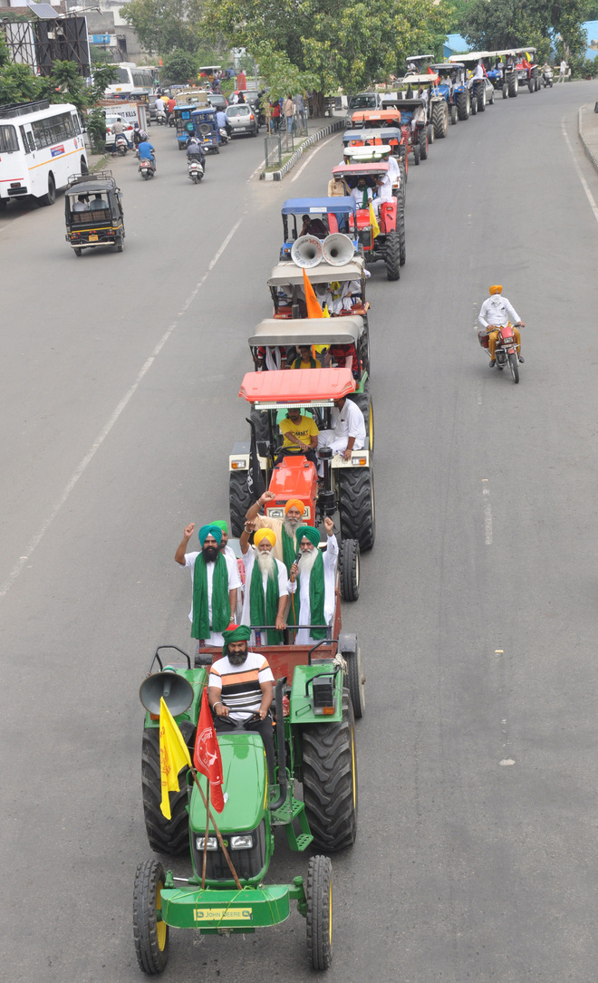 Farmers, residents take out tractor march in Amritsar