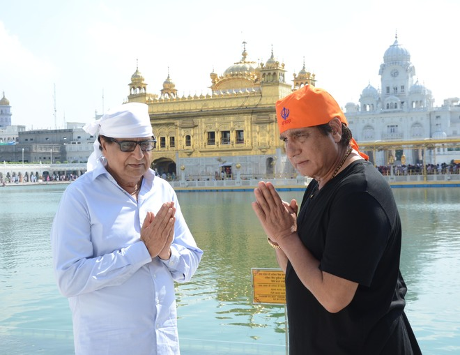 Raj Babbar back on Punjabi silver screen with upcoming horror flick 'Bhoot Uncle Tussi Great Ho'