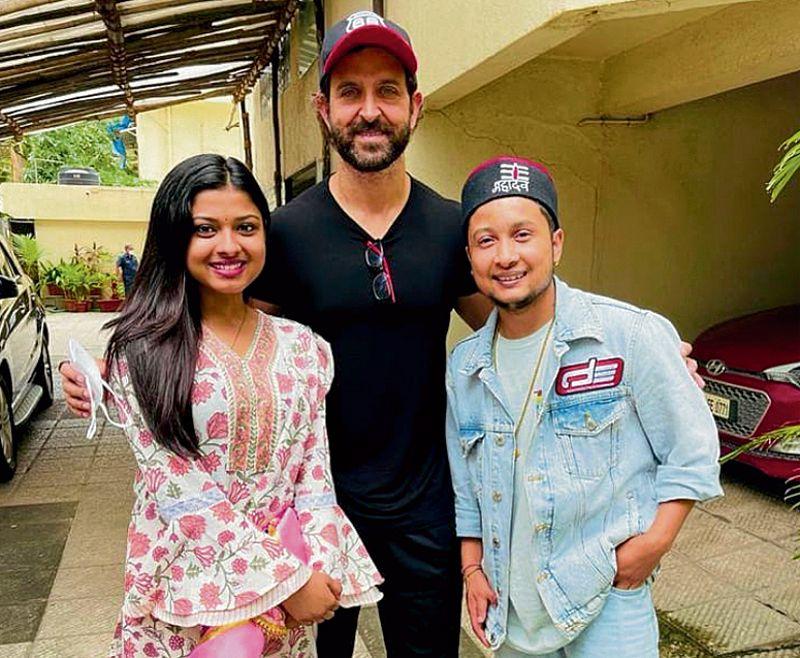 Indian Idol 12 contestants Pawandeep and Arunita meet Hrithik Roshan