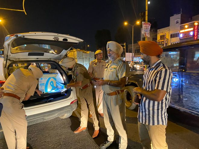 Amritsar policemen pulled up for being 'lax' at nakas
