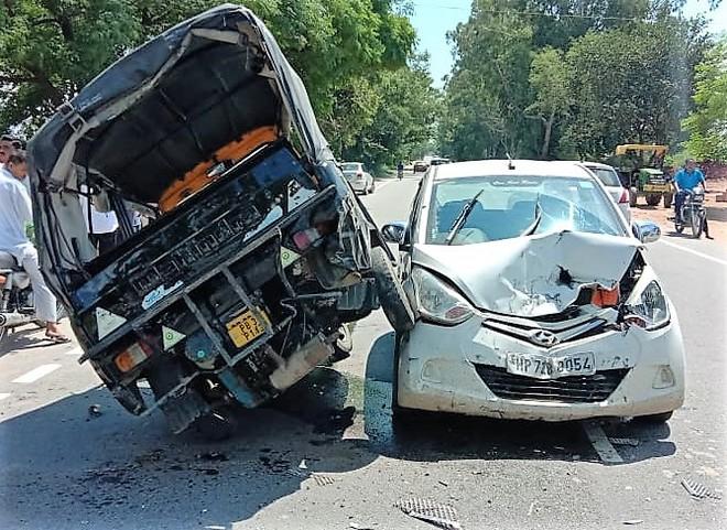 Auto-car collision: Two kids among 7 injured on Garhshankar-Hoshiarpur road