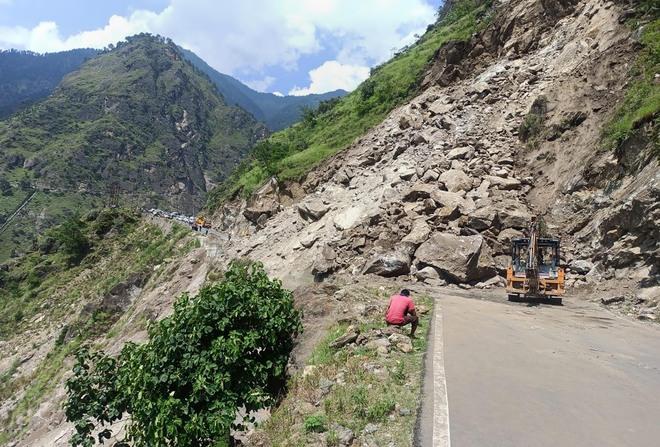 Landslide blocks NH near Jeori