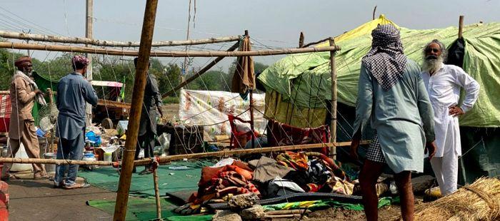 Crowds at Singhu, Tikri thinning as protesting farmers head home ahead of harvesting season