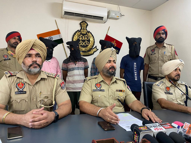 2 thieves, 2 junk dealers held; Rs1 lakh, Bolero recovered in Ludhiana
