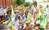 Farmers gherao BJP leaders' meet venue in Bathinda